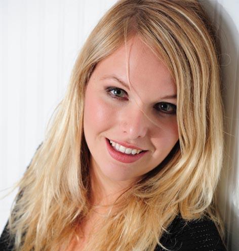 Jenni Herren Radio/TV Moderatorin Zambo, Moderatorin SwitchingDay - Tag der erneuerbaren Energien - Kindercity Volketswil, Myblueplanet